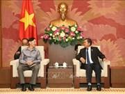 Recibe dirigente parlamentario de Vietnam a una delegación del Instituto de Estudios Legislativos de Laos