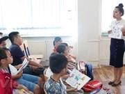 Inician curso de verano del idioma vietnamita en República Checa