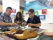 Inauguran en Vietnam exhibición internacional de calzado