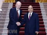 Recibe primer ministro de Vietnam a expremier canadiense Jean Chretien