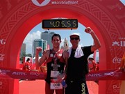 Atleta australiano triunfa en competencia de triatlón IPPGroup Challenge Vietnam