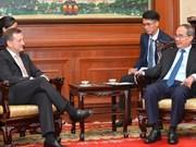 Recibe alto funcionario de Ciudad Ho Chi Minh al embajador de Francia