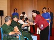 Máxima legisladora de Vietnam reitera atención especial a personas con méritos revolucionarios
