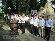 Dirigentes de Vietnam rinden homenaje a mártires de guerra