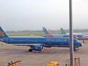 Ajustan aerolíneas vietnamitas horarios de sus vuelos por protesta en Hong Kong
