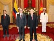 Recibe máximo dirigente de Vietnam a nuevos embajadores en este país