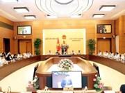 Insta primer ministro de Vietnam a acelerar perfeccionamiento del marco legal