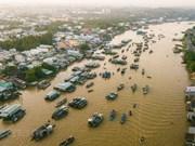 Amanece en el mercado flotante Cai Rang