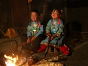 Niños del noroeste se visten de colores primaverales