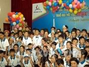 Dialoga vicepresidenta con niños destacados