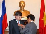 Orden de Amistad a embajador ruso en Viet Nam
