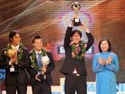 Otorgan balón de oro vietnamita 2010