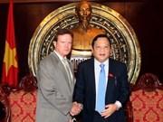 Visita Viet Nam senador estadounidense