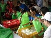 Efectúan día sin bolsas de plástico en Ha Noi