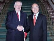 Presidente parlamentario vietnamita prosigue actividades en Bélgica