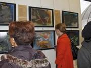 Exposición de pintora francesa inspirada por poeta vietnamita