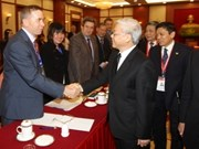 Dirigente partidista recibe a vietnamólogos
