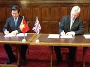 Firman Vietnam y Reino Unido acuerdo sobre cooperación público-privada
