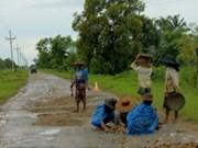 Japón ayuda a Myanmar en construcción de carreteras