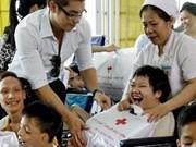 Realizan cirugía cardiovascular gratuita a víctimas de dioxina