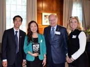Presentan en Canadá libro dedicado al presidente Ho Chi Minh