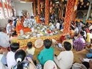 Khmers ensalzan valor tradicional de fiesta Sene Dolta