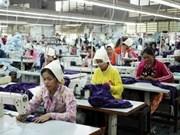 Crecen exportaciones cambodianas de confecciones y textiles