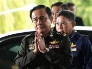 Jefe del Ejército tailandés recibe respaldo del Rey
