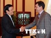 Presidente vietnamita recibe al embajador de Panamá