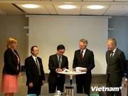 Institutos vietnamita y noruego comparten estudios diplomáticos