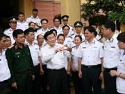 Presidente vietnamita dialoga con efectivos de Policía Marítima