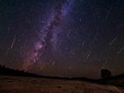 Amantes vietnamitas de astronomía esperan lluvia de meteoros Perseidas