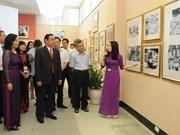 Exponen en Hanoi testamento de Ho Chi Minh