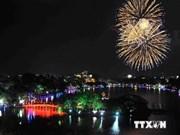 Hanoi realiza fuegos artificiales por Día de Liberación