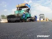 Japón ofrece ayuda a Vietnam en mantenimiento de carreteras