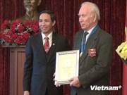 Honran a ciudadanos rusos por sus valiosos aportes a Hanoi