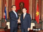 Premier tailandés se reúne con dirigentes vietnamitas