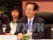 Premier vietnamita precisa soluciones para elevar competitividad económica