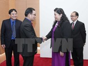 Dirigente vietnamita recibe a delegaciones juveniles de Laos y Cambodia