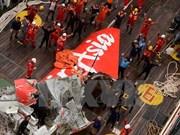 Indonesia persigue detectar señales del avión AirAsia