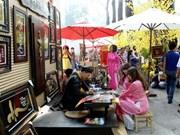 Vivir con tradiciones antiguas en calles caligráficas en Ciudad Ho Chi Minh