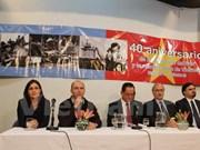 Solemne mitin en Argentina por aniversario 40 de reunificación nacional