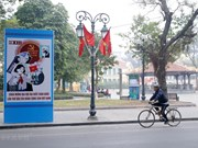 Calles de Hanoi decoradas para dar la bienvenida al XIII Congreso Nacional del Partido Comunista