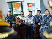 Llega la primavera a la plataforma DK1, hito de soberanía de Vietnam en el mar
