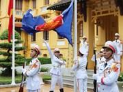 [Foto] Ceremonia con izamiento de bandera de ASEAN