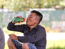 """[Foto] Hanoienses buscan sobrevivir en """"hornos"""" de 40 grados Celcius"""