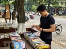 [Video] Librería gratis de una anciana hanoyense atrae atención de los jóvenes