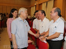 [Foto] Dirigente partidista de Vietnam sostiene contactos con electores