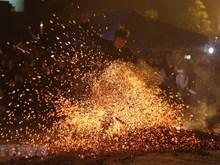 [Fotos] Fiesta de danza sobre fuego de la etnia Dao Rojo en Nuevo Año Lunar