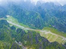 [Fotos] Paisajes Tam Coc, en la provincia norteña de Ninh Binh conocido como la Bahía de Halong en tierra, en la primavera
